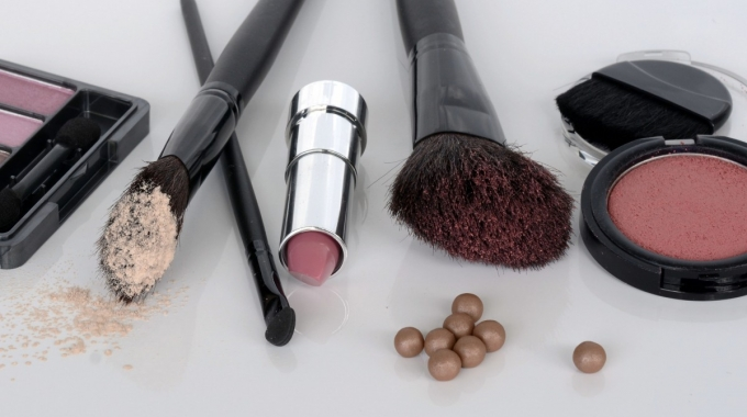 Top Brands Make-Up